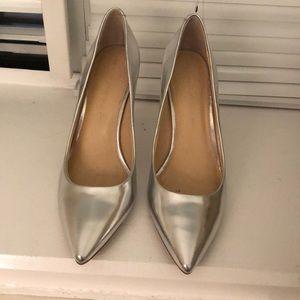 Women's banana republic silver heels size 8